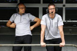 """Formula 1, Ralf Schumacher avverte Vettel: """"stia bene attent"""