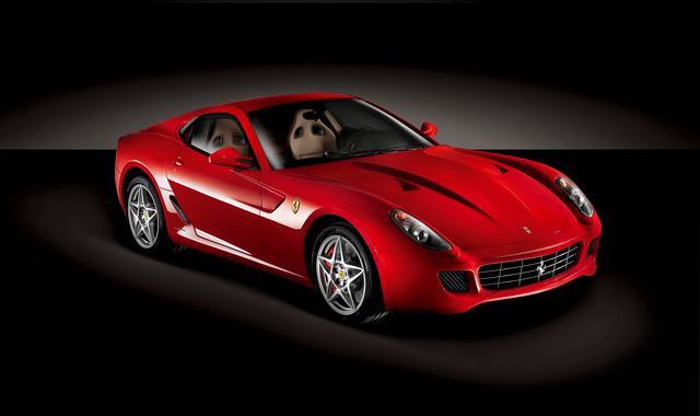 Ferrari, garanzia ora estendibile fino a 15 anni