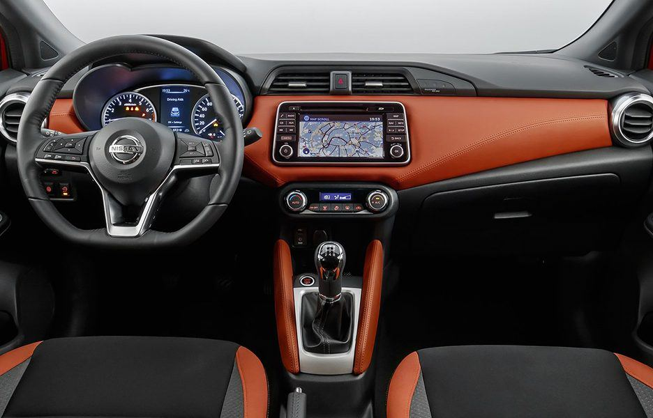 I tassisti italiani scelgono la compatta 100% elettrica — Nissan Leaf