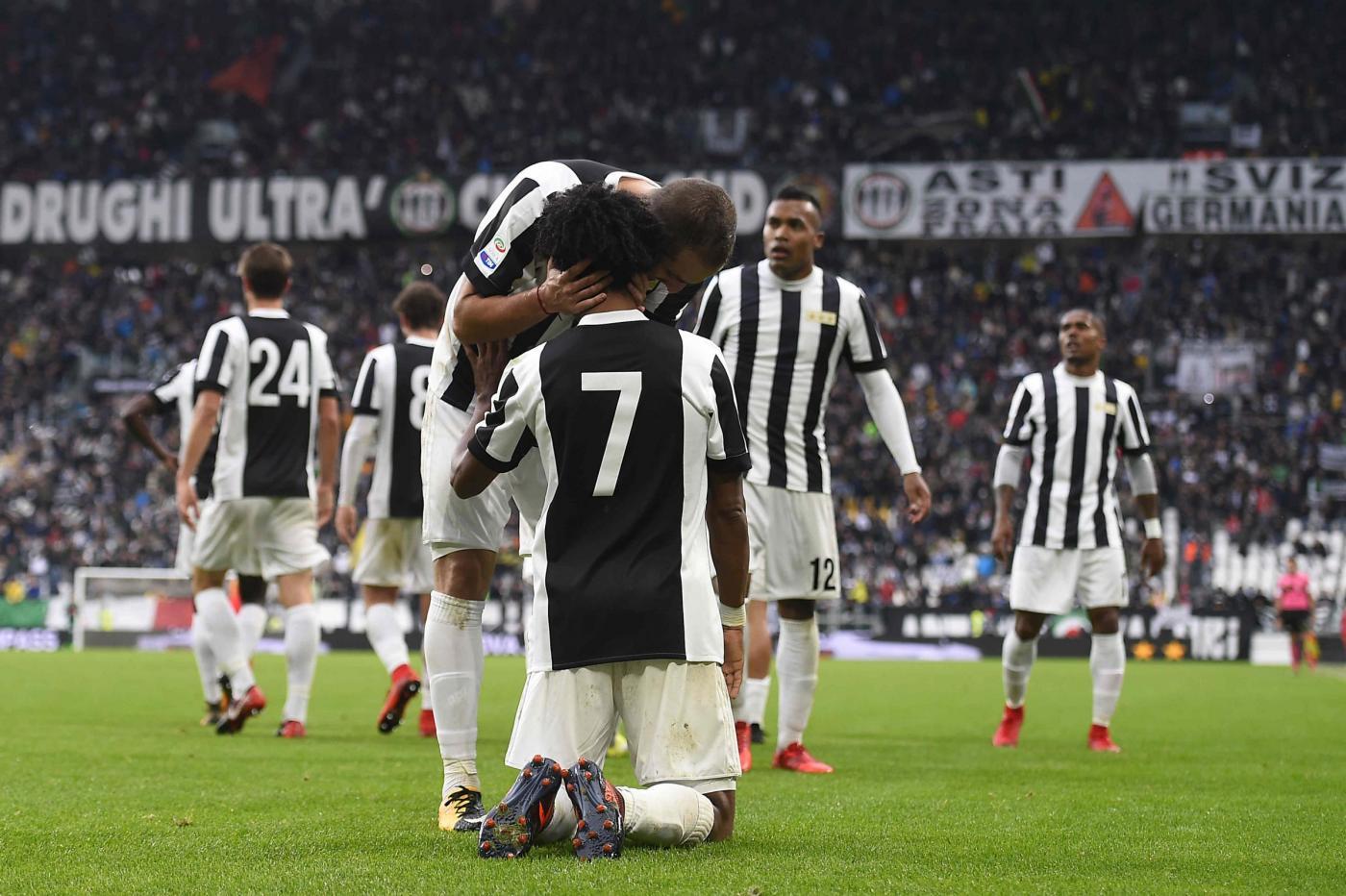 Frena il Napoli, col Chievo è 0-0. Juve-Benevento 2-1