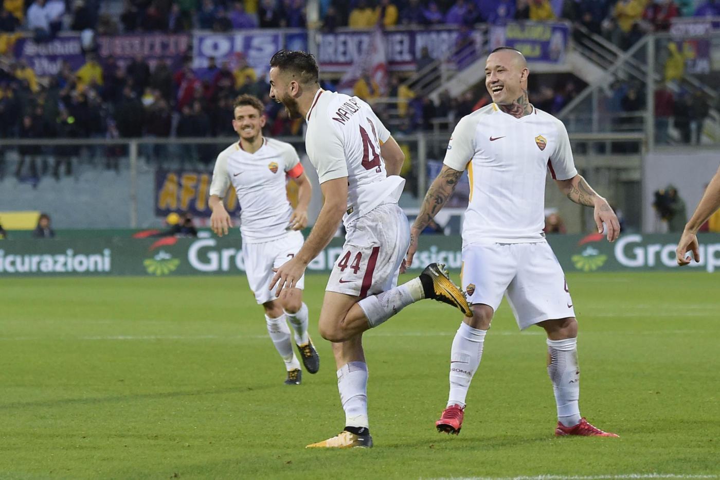 Napoli e Inter frenano, la Juve a -1