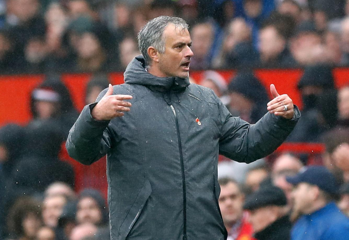 Manchester United, Pogba dorme e salta l'allenamento