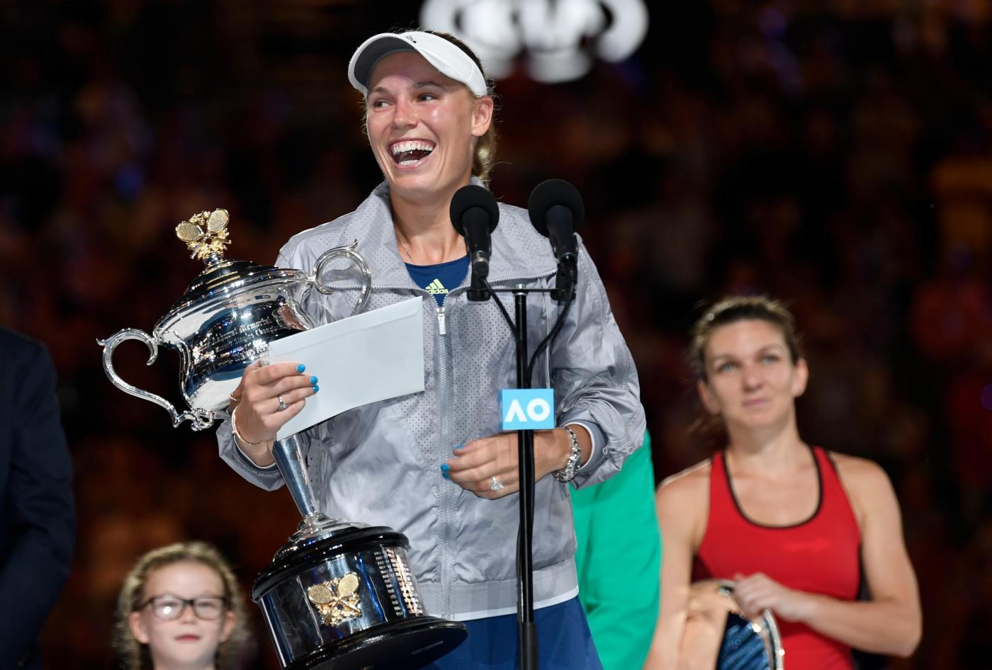 Tennis, Australian Open: trionfo Wozniacki