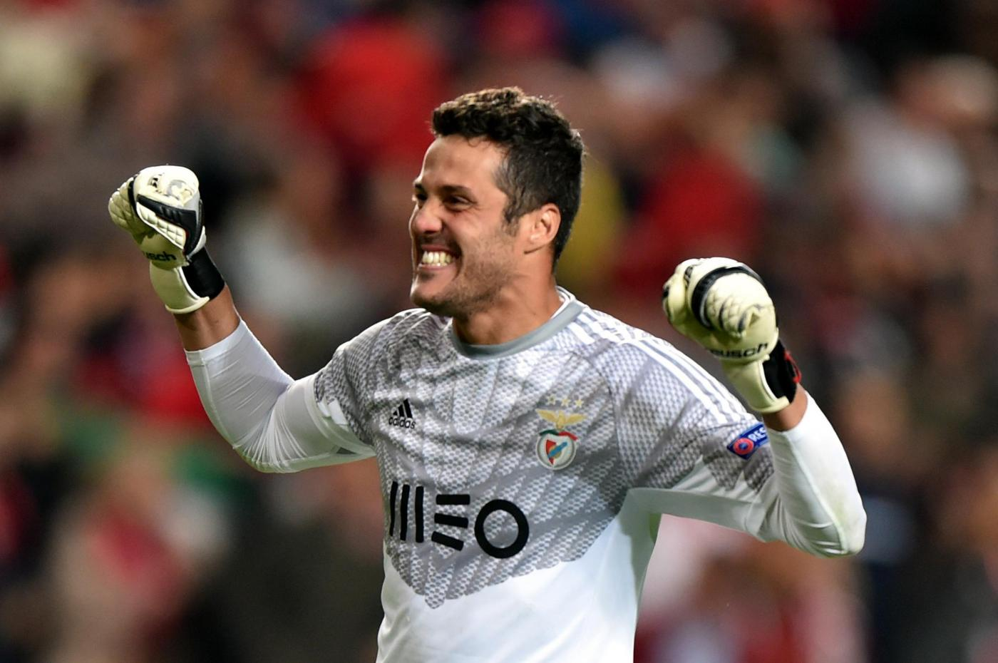 Julio Cesar va al Flamengo e guadagna una 'miseria', la ...