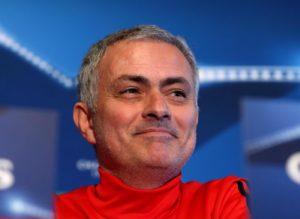 Tottenham, Mourinho si presenta ed è subito show: l'inizio è
