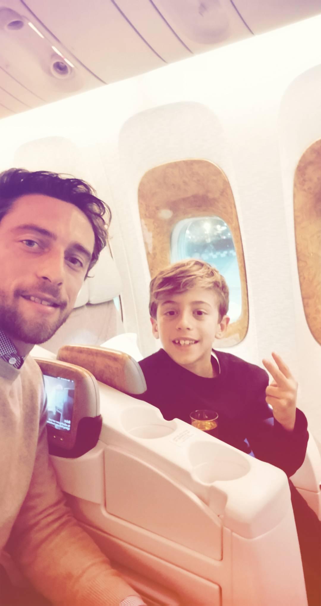 Claudio Marchisio in volo con il figlio - Instagram @claudiomarchisio