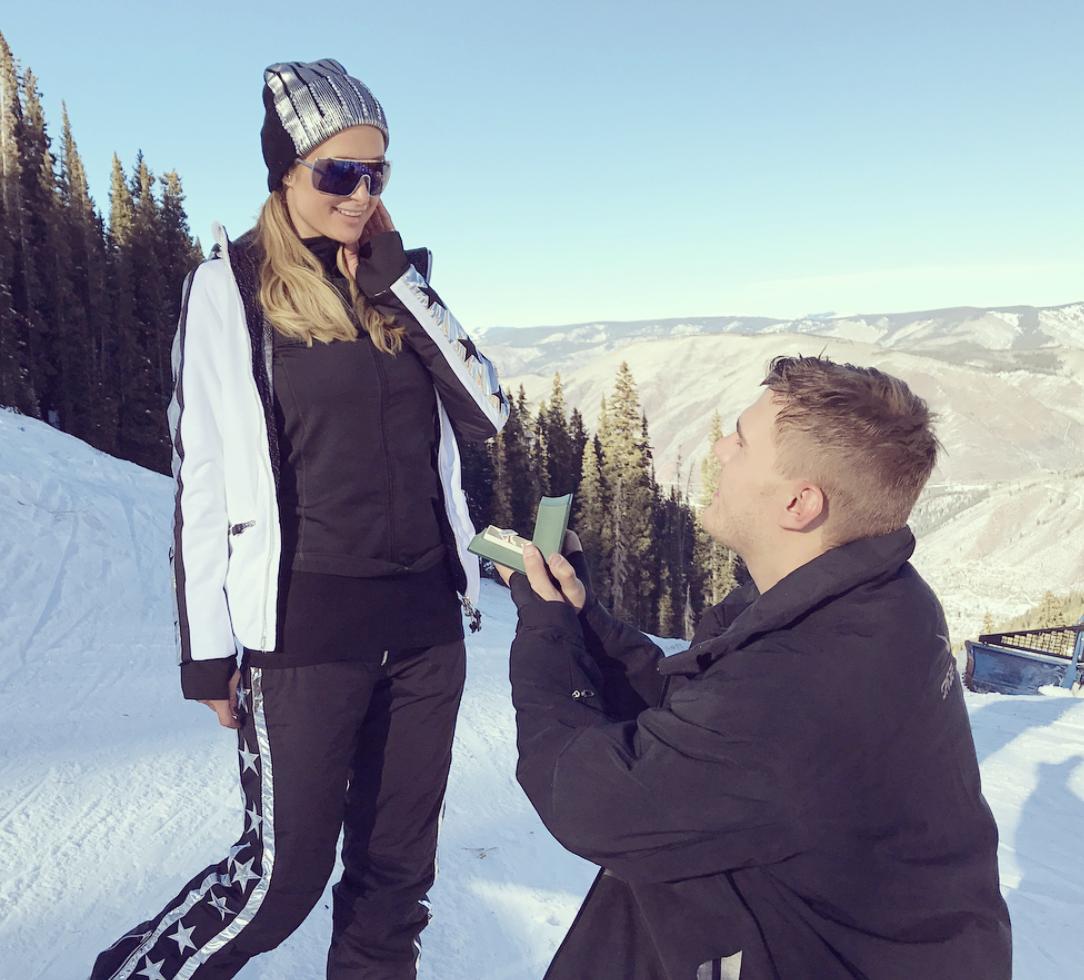Paris Hilton si sposa La proposta è arrivata tra le vette innevate di Aspen