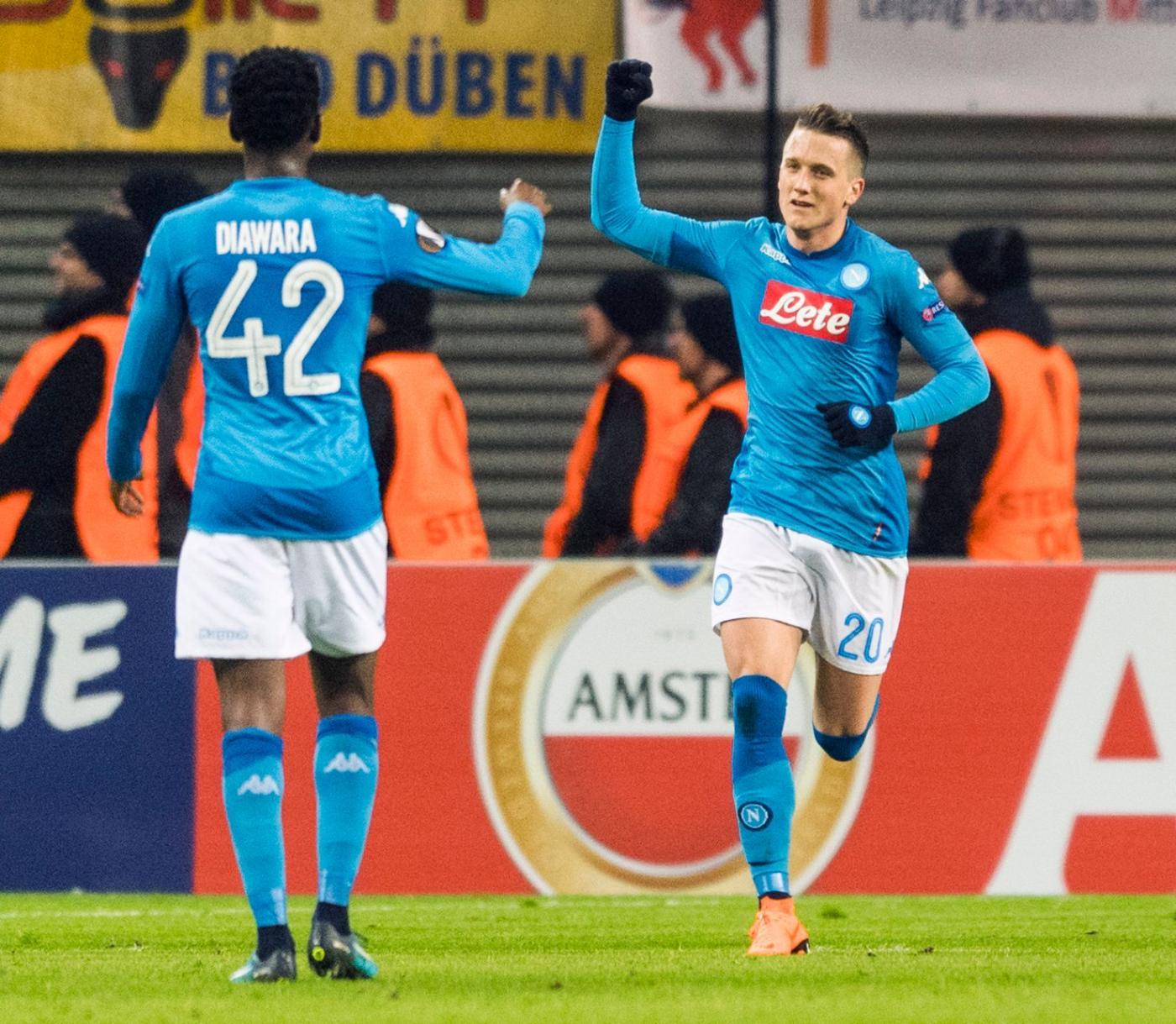 De Laurentiis applaude il Napoli con un tweet: