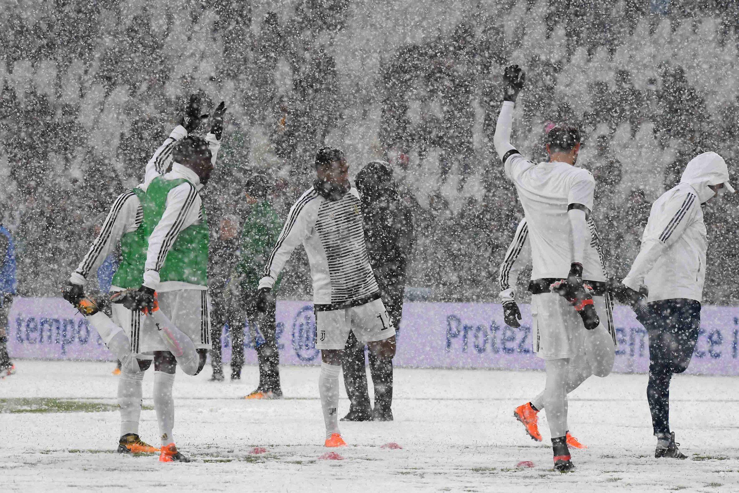 Calcio: Juventus-Atalanta rinviata a causa della forte tormente di neve che si è abbattuta su Torino e ha imbiancato, completamente, il terreno di gioco dell'Allianz Stadium (Tano Pecoraro/LaPresse)