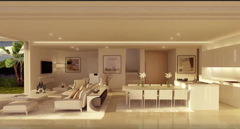 La zona giorno della casa di Cristiano Ronaldo è caratterizzata per la sua prevalenza di bianco. Lusso e modernità si mescolano per creare un ambiente unico.