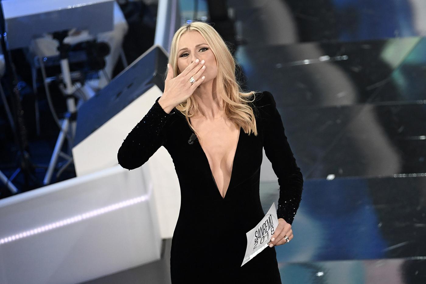 Sanremo 2018: duetti e ospiti della quarta serata