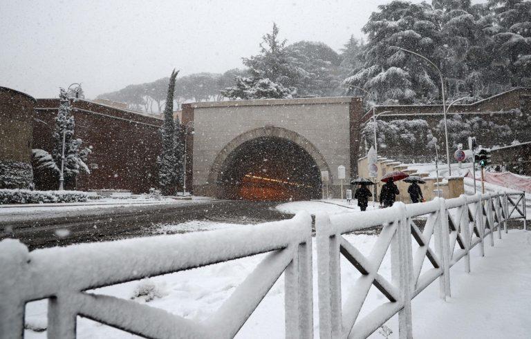 Foto Fabio Cimaglia / LaPresse 26-02-2018 Roma Politica Neve a Roma Nella foto la galleria PASAPhoto Fabio Cimaglia / LaPresse 26-02-2018 Roma (Italy) Politic Snow in Rome In the pic PASA tunnel