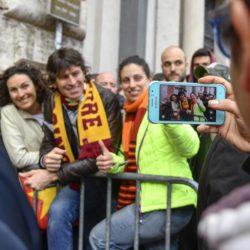 Fila di tifosi al Roma