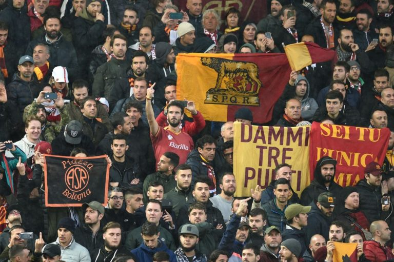 Roma, i due tifosi accusati dell'aggressione a Sean Cox sono stati rinviati a giudizio e resteranno in carcere sino al processo del 24 maggio - Lapresse