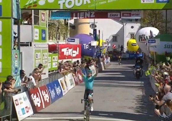Giro: sul Gran Sasso trionfa Yates
