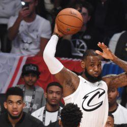 Playoff NBA - Cleveland e Boston si sono date battaglia in gara-4, LeBron e soci hanno pareggiato i conti sul 2-2