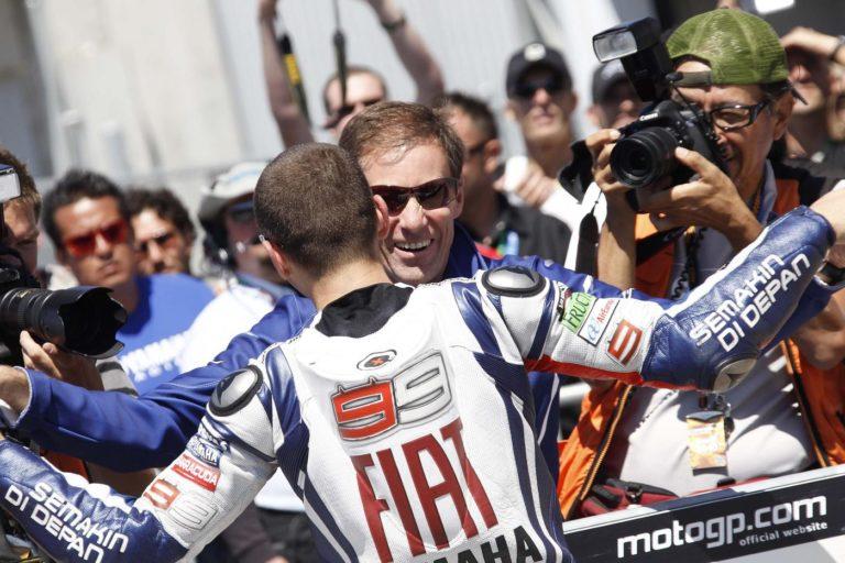 MotoGp - Lin Jarvis ha paventato un clamoroso scenario per il futuro di Jorge Lorenzo, secondo il managing director della Yamaha infatti, il maiorchino potrebbe anche chiudere la propria carriera dopo l'esperienza in Ducati - Lapresse