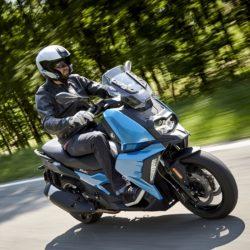 Nuovo Bmw 400 X: arriva lo scooter 2.0 connesso con gli smar