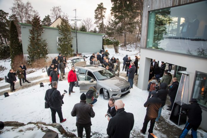 New Volvo V60 family estate
