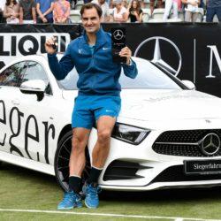 Federer e un trofeo da… guidare: le foto più belle della finale dell'ATP di Stoccarda [GALLERY]