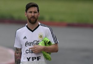 Argentina's forward Lionel Messi attends a training session at the team's base camp in Bronnitsy, near Moscow, on June 19, 2018 ahead of their Russia 2018 World Cup Group D football match against Croatia to be held in Nizhni Novgorod on June 21. / AFP PHOTO / JUAN MABROMATA