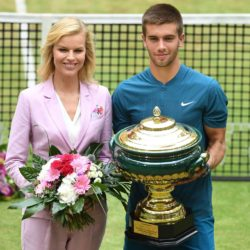 ATP Halle – Federer si inchina, Coric alza il trofeo al fian