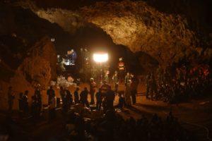 Thailandia: squadra calcio giovani intrappolata in grotta - i soccorsi