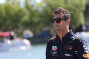 """F1, Ricciardo frena sul rinnovo: """"prima voglio capire quali"""