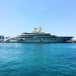 Dilbar, il super yacht più grande e costoso del mondo conqui