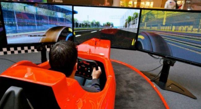Simulatori di guida professionale un esperienza sempre for Simulatore di arredamento