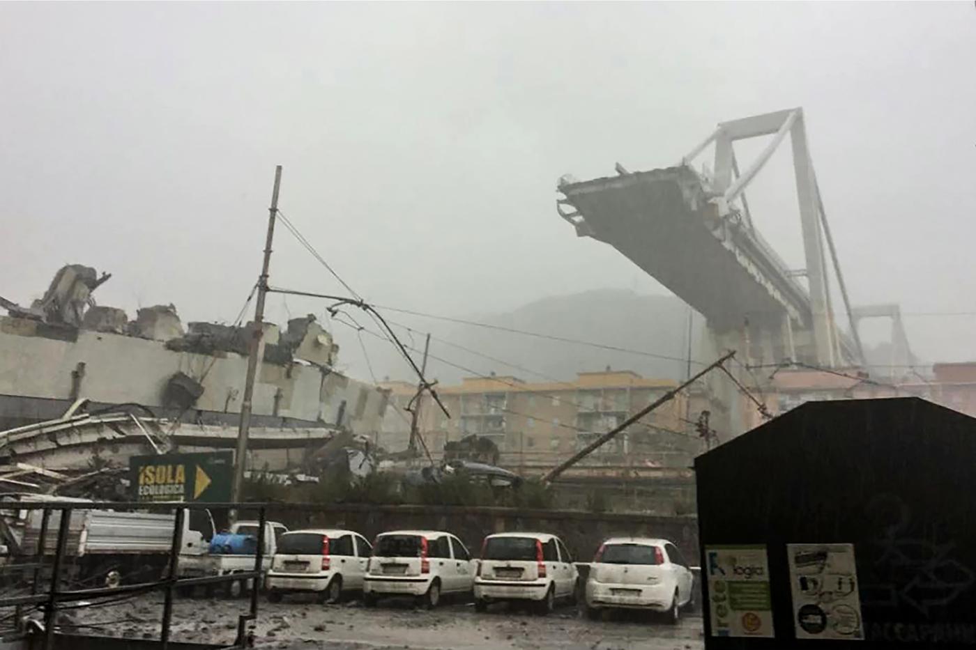 Crollo ponte morandi a genova tra le vittime anche un ex for Ponte sopra i disegni del garage