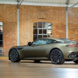 Aston Martin DBS Superleggera OHMSS Edition