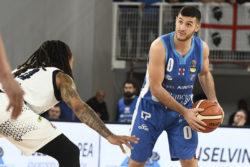 Basket, Supercoppa Italiana – Sassari è la prima finalista: