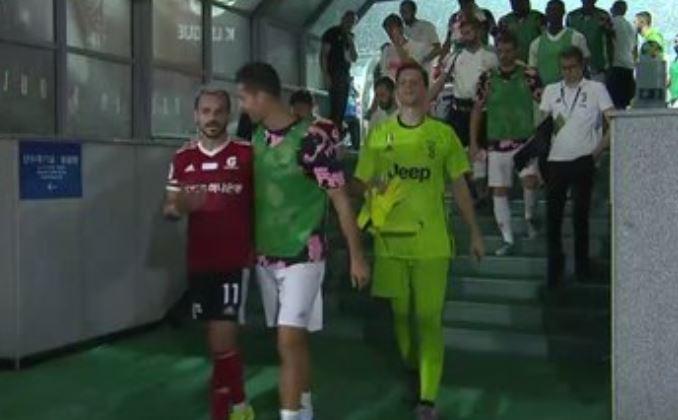 Cesinha provoca: dopo il gol esulta come Ronaldo, poi si scusa