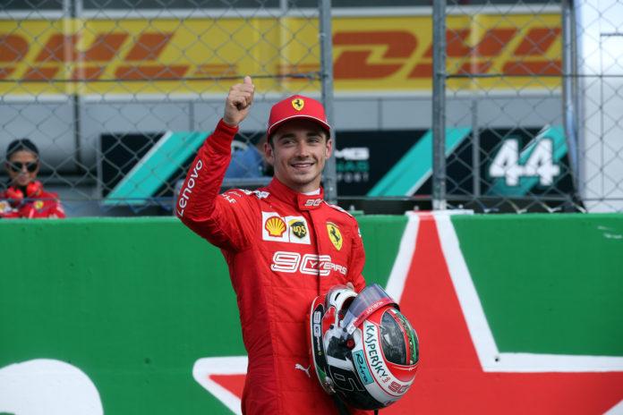 Che sta uscendo Lewis Hamilton