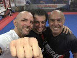 """Boxe – Angelo Valente allena i vip dello spettacolo: """"vengon"""