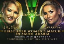 Lacey Evans e Natalya Crown Jewel