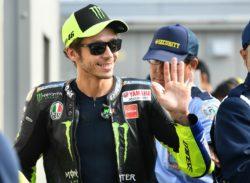 """MotoGp, Test Valencia – Valentino Rossi sorride: """"il motore"""