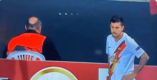 Pellegrini Roma colpito testa oggetto lanciato spalti