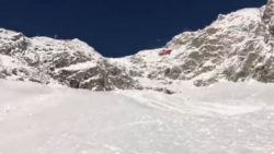 Monte Bianco, due alpinisti genovesi precipitano dalla Crest
