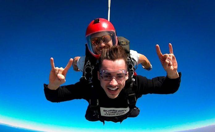 Risultati immagini per leclerc col paracadute