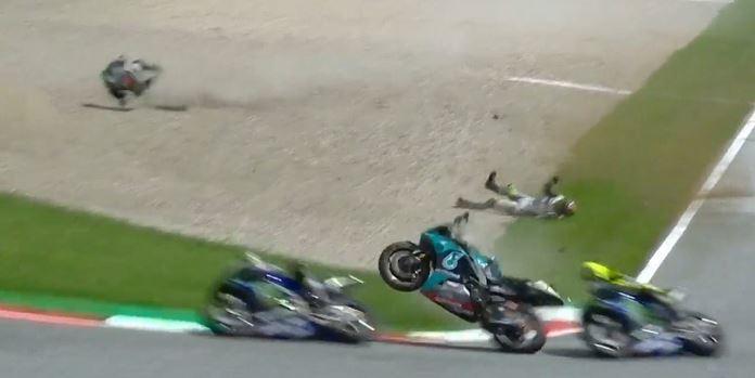 Incidente Zarco Morbidelli moto davanti Valentino Rossi