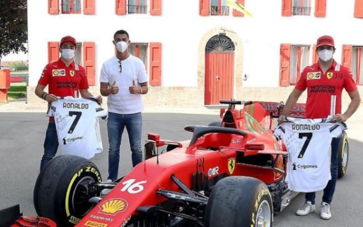 Ronaldo e i piloti Ferrari