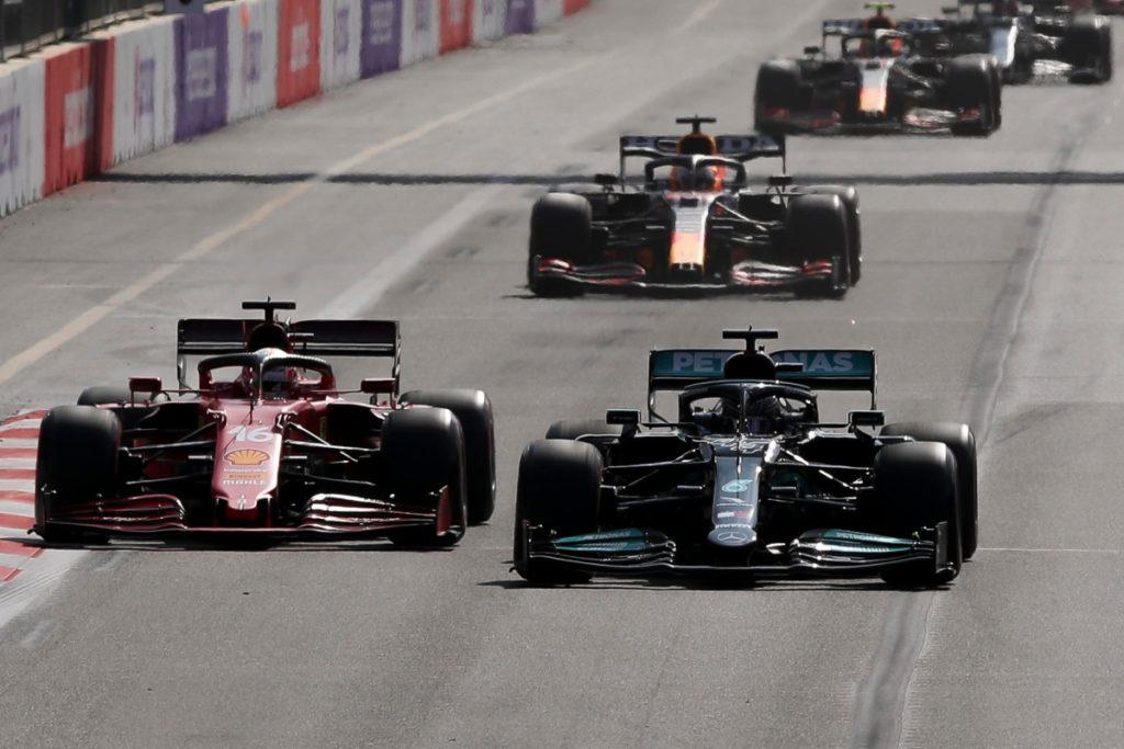 Leclerc e Hamilton