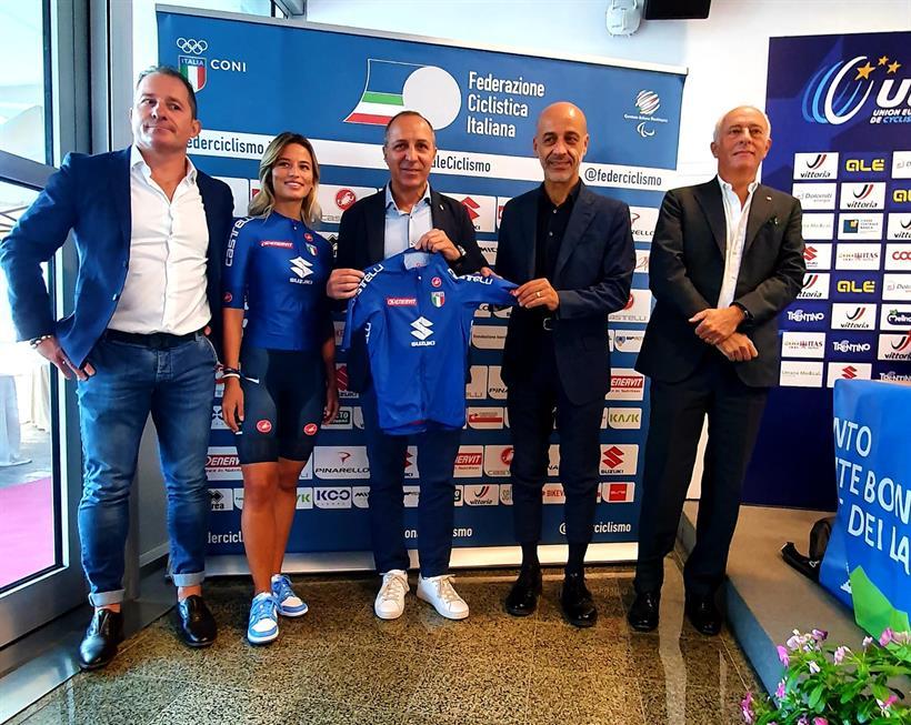 presentata maglia ciclismo mondiali e stagione 2022
